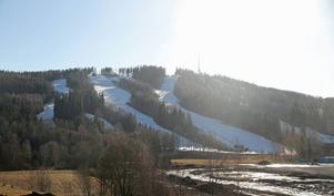 Barmark överallt utom i Kungsbergets backar där det ännu är tjockt med vit snö.