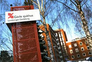 Det gamla namnet Gävle sjukhus har kommit till heders igen när landstinget skyltar om i sjukvården. Foto: Lasse Halvarsson