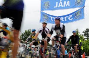Sävstaås var både start, mål och rastplats för de cyklister som tog två varv.