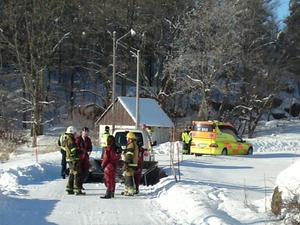 Räddningstjänsten utrustad med våtdräkter.
