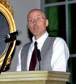 Föreläsaren Göran Larsson sade några passande på tema som konserten: Rötter och Vingar.OBS   endast om man vill plugga igen ett utrymme