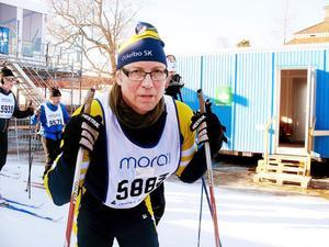 Anders Olsson från Ockelbo såg sliten ut efter sitt första lopp i Vasaspåret.– Det gick bra fram till Mångsbodarna. Sedan var benen som cement. Jag var alltför dåligt tränad, fastslog Anders.
