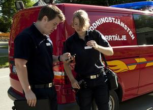 Om du bor i radhus kan du få besök av Mathias Wikland och Emma Martinsson i sommar.