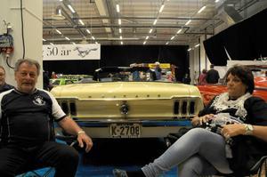 Kjell Fredheim och Andrea Korsnes äger denna Mustang -67 som restaurerats för att se ut som originalet.