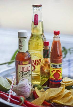 Texmex kännetecknas av fräscha råvaror, aromatiska kryddor och massor av smak. Bjud dina vänner på nachofest. Kanske redan i kväll?Foto: Leif R Jansson/TT