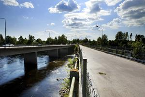 Den nuvarande gångbron över Ljungan kommer snart att rivas.