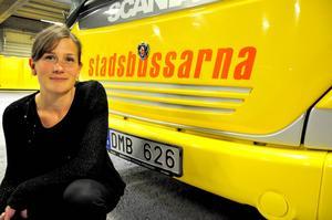 Karin Axén, affärschef på Nettbuss, Stadsbusarna ser en minskning av kontantbetalningarna varje månad.