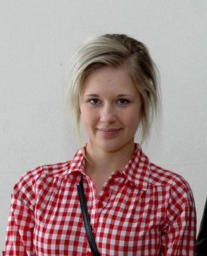 Linnea Norman, 16 år, Ockelbo:– Ja, det tror jag. Det är så många i vår ålder som dricker.