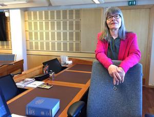 Ylva Johansson byter från förvaltningsrätten till kammarätten.