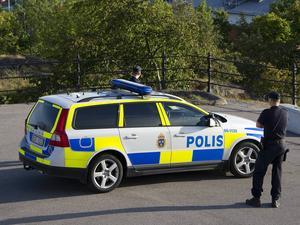 Polisen har letat efter flickan utan resultat.
