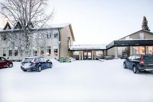 På torsdagen öppnade Fjällsjöskolan upp igen efter att ha varit stängd tidigare i veckan på grund av dålig ventilation.