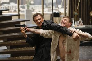 Oövervinnerliga Bryan Mills (Liam Neeson) i kamp mot degenererad rysk maffiaboss (Sam Spruell) i