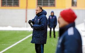 Jonas Björkgren under sin tid som tränare i Kvarnsvedens IK.