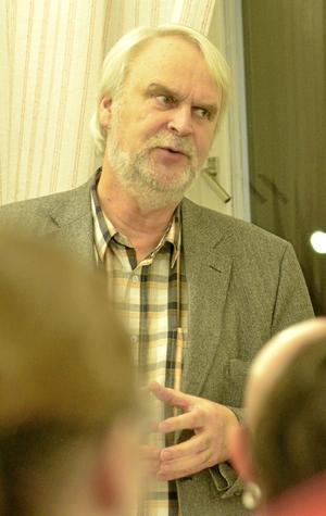 Utan stöd. Kommunstyrelsens ordförande Anders Ceder (S) inledde med att tala om att det finns inte något nedläggningshot mot Ramshyttans eller Rockhamamrs skolor i årets budgetarbete.