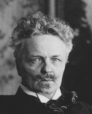 I Berling umgick den unge Ewers  i kretsen kring August Strindberg.
