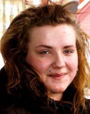 Julia Nyström, 17 år, Lit:– Ja, för då är det jag som bestämmer. Jag kan tänka mig att starta eget som frisör, jag gillar att klippa folk.