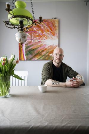 Bara någon månad efter att andra barnboken om Tilde Tideli släpps börjar nästa kreativa process. I sommar ställer Hans Forsell ut sina tavlor på Sågverket i Rö utanför Härnösand.