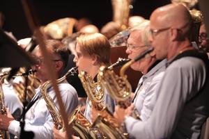 Både gamla och nya medlemmar samlades till konsert. Närmast kameran syns Maths Ericson-Bellinetto och bredvid honom Magnus Bengtsson.