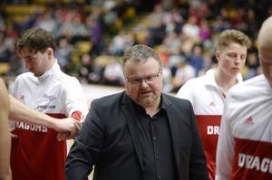 Tommie Hanssons Dragons går tungt i Basketligan just nu.