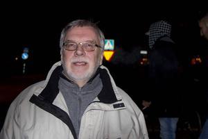 Alf Åberg som arbetar med ensamkommande flyktingbarn har sett föreställningen tidigare, men var lika imponerad.