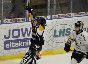 Matthias Sundberg jublar efter sitt 3–1.