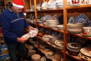 Igenkännandets glädje är stor, intygar Kjell Andersson som sorterat upp kända serviser som många vill komplettera.