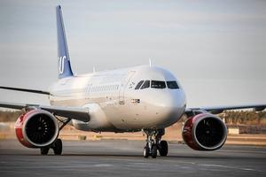 """""""Inför en klimatskatt på flyget"""", skriver Miljöpartiets Göran Hådén i en debattartikel om klimatet."""