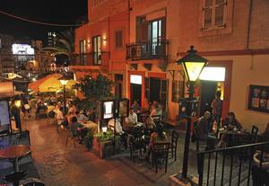 I gränderna kring Spinola Bay i Valletta finns mängder av mysiga restauranger och barer.