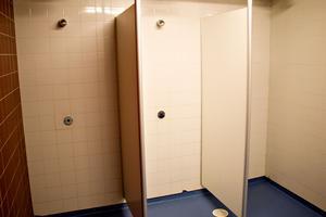 Vänsterpartiet i Säter oroas över att skolelever kan bli mobbade när de duschar.