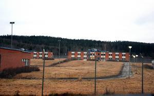 I måndags meddelade bygg- och miljökontoret att Kriminalvårdens gamla anstalt i Viskan nu får tas i bruk som tillfälligt asylboende.
