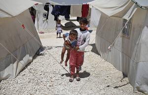 Syrien är skådeplatsen vår tids grymmaste inbördeskrig, en konflikt med inget slut i sikte. Många får växa upp på flykt.