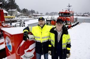 Totalt jobbar sju båtmän och sex lotsar på Spikarnas lotsstation på Alnö. Två båtmän är alltid i tjänst – för dagen Bengt Öhgren och Kent Bouvin.