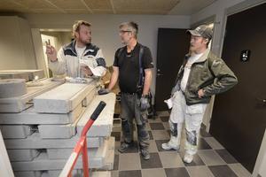 Några som har arbetat med den nya skolan är målaren Antony Högberg, Per-Olof Nyström snickare och målaren Tobias Nordin.