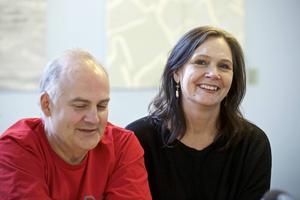 Göran Eliasson och Pers Anna Larsson läste