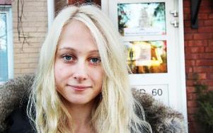 """Maria har valt att prata om sjukdomen genom sin blogg. """"Det är en höjdpunkt att gå in på bloggen"""", förklarar hon. Foto: Sofie Lind"""
