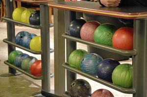 Klot för alla. Det finns bowlingklot för alla. Det är bara att välja tyngd och färg.