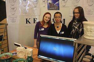 Keramik. Kristina Norberg, Emma Johansson och Lotta Lundkvist producerar och säljer keramikkrukor.