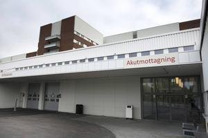 Primärvårdsjouren och akuten är på väg att flytta ihop på alla tre sjukhusen i Landstinget Västernorrland. På så sätt hoppas man på kvällstid snabbare kunna hitta rätt vårdnivå för patienterna.