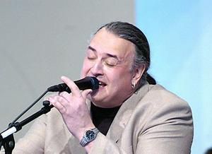 Ola Bjurman under en konsert 2004.