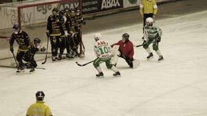 Det blev VSK-seger med 8-4 mot Vetlanda, efter en andra halvlek med en hel del mål.