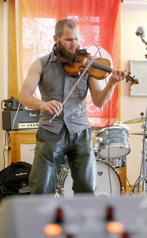 Adam Nordin, fiolspelare från Nordnorge, började komponera egen musik när han var 12 år.