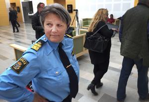 Agneta Kumlin på plats vid rättegången mot Lena Tysk efter de hot hon ska ha uttalat mot henne.