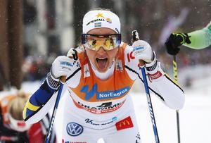 Förra onsdagen vann Stina Nilsson världscupssprinten i Drammen. Hennes stora konkurrent, Maiken Caspersen Falla, hade en urusel dag och lyckades inte ens ta sig vidare från prologen.