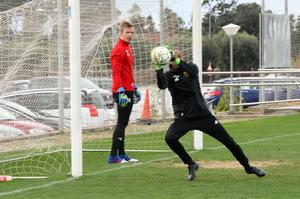 Aly Keita får chansen i mål igen efter att Andreas Andersson vaktade målet mot Halmstad i onsdags.