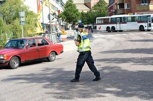 Flera poliser som tidningen pratat med upplever inte att det ökade antalet anställda poliser i Sverige lett till mer tid på gator och torg. Foto:Kjell Jansson