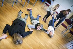 Med fysiska övningar fick barnskådespelarna visa sina färdigheter.