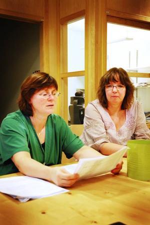 Narkosöverläkare Caroline Starlander och Pia Iwars, avdelningschef på IVA är inte oroliga över vården i Jämtland. Men deras avdelning visar också på bästa betyget i länet. Foto: Mattias Moberg