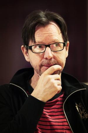 Jan Boholm spelar pappa Anton.