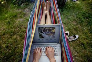 Att blogga är populärast bland unga kvinnor. 28 procent av 16- till 24-åringarna har en egen blogg.
