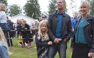 Nellie Nordström besökte parken i Hede tillsammans med mamma Carina och pappa Johan för att titta på sin idol Frans.